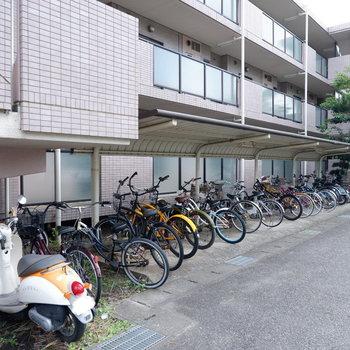 駐輪場はこちらに。