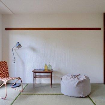 【和室】お隣の和室へ。※家具・雑貨はサンプルです