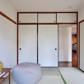 【和室】長押を使って、簡単な模様替えもできそうです。※家具・雑貨はサンプルです