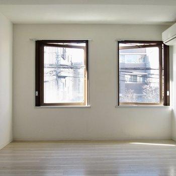 【LDK】大きな窓が2つ。
