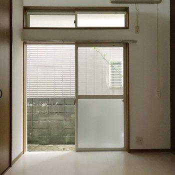 天井が高いので窓も長い!