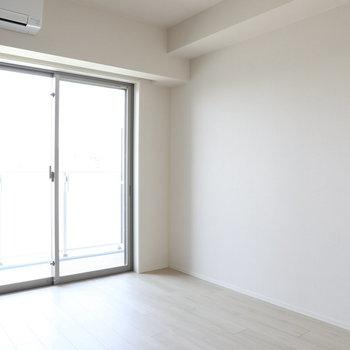 明るさもいいですね!※写真は9階の同間取り別部屋のものです