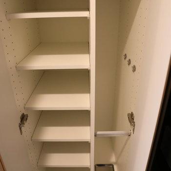 シューズボックスも靴がたくさん入りますね。※写真は9階の同間取り別部屋のものです