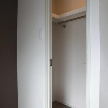 コンパクトですが上手く使えそう!※写真は2階の同間取り別部屋のものです