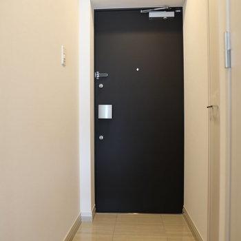 可愛いドア※写真は2階の同間取り別部屋のものです