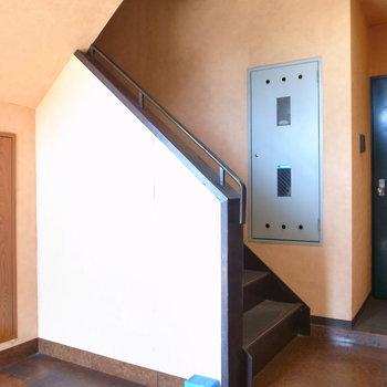【共用部】階段での移動になります。