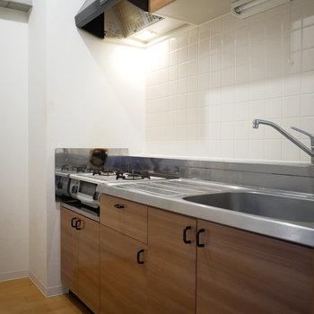 キッチンは半個室で集中できそう!