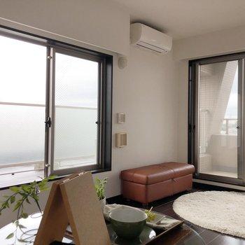 【DK】こちらの窓も結構大きさがあります。