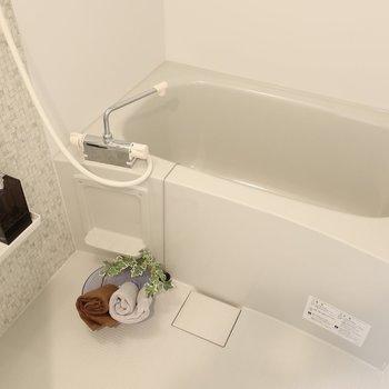 浴室には乾燥機は雨の日のお洗濯にもありがたい!(※写真は2階の同間取り別部屋のものです)
