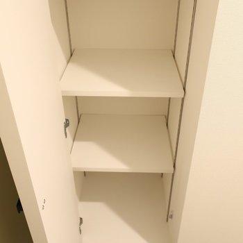 シューズBOXはコンパクトかな。(※写真は2階の同間取り別部屋のものです)