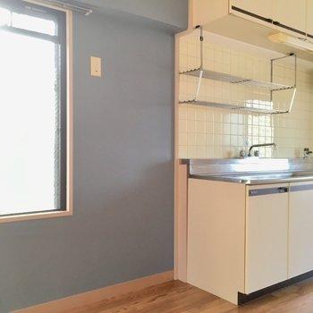 キッチン横に冷蔵庫は置けそうですね〜!