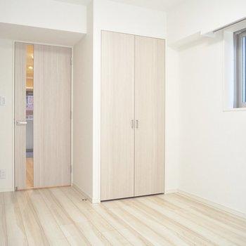 薄めの色で優しい雰囲気※写真は3階反転間取り別部屋のものです