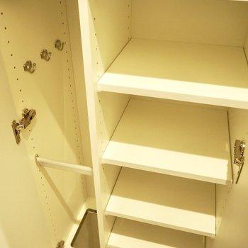 古い靴や履かない靴は捨てましょう※写真は3階反転間取り別部屋のものです