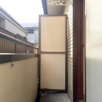 こちらは2階のベランダです 洗濯物が干せますよ