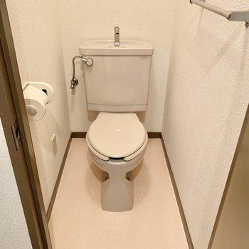 トイレもシンプルですが、独立しているのは嬉しいポイント。