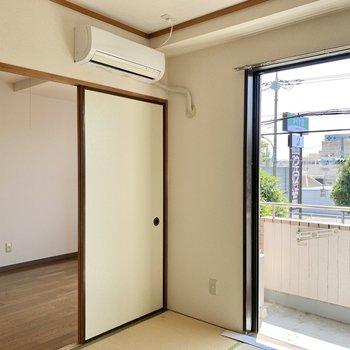 なんと2部屋にエアコンがついています。ありがたい。