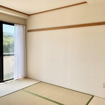 とてもくつろげそうな和室です。