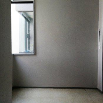 お部屋の目の前がエレベーターホール!