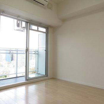 エアコンもきっちりと※写真は同間取り別部屋のものです。