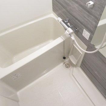 お風呂もとっても綺麗で※写真は同間取り別部屋のものです。