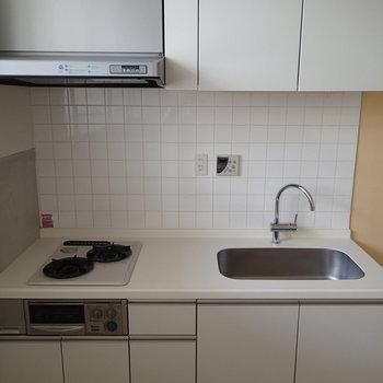 使いやすそうなキッチンです。 ※写真は1階の反転間取り別部屋のものです。