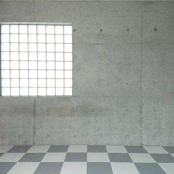 多方向から光が入りますね※写真は3階の同間取り別部屋のものです