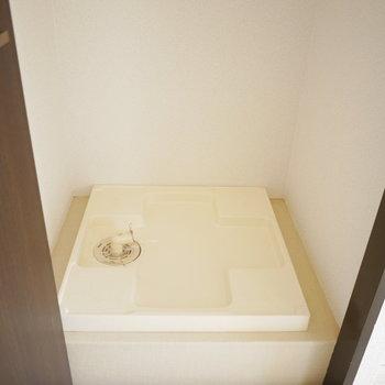 洗濯機は収納扉で隠せます!