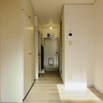 こちらはシンプルでバランスが取れています※写真は1階同間取り別部屋のものです