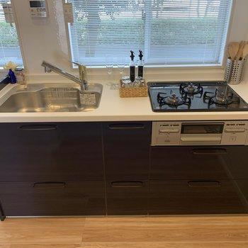 料理の幅が広がるキッチン※家具はサンプルです