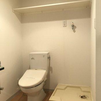 脱衣所広いですね〜収納もちゃんとあります※写真は3階の同間取り別部屋のものです