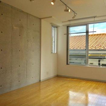ピクチャーレールありました〜※写真は3階の同間取り別部屋のものです