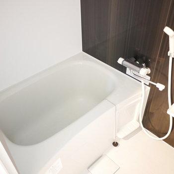 浴室は追い焚きも乾燥機も完備!