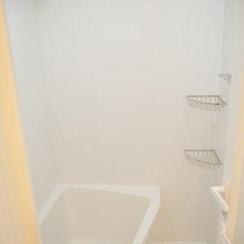 お風呂はこんな感じ。※写真は3階の同間取り別部屋のものです