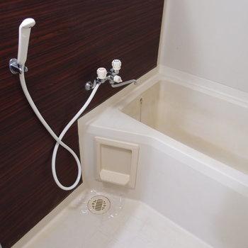 バスルーム。上には鏡があります※写真は前回募集時のものです