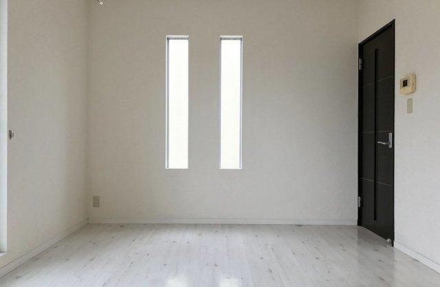 ガラス越しの桜のお部屋
