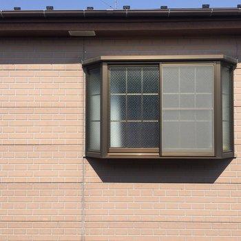 出窓から。ちょっと目があっちゃいそうですね。