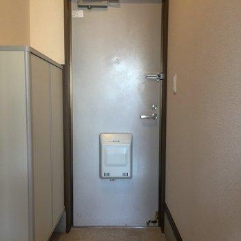 玄関。ゆったりしていますね。