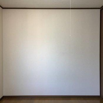 【洋室】LDK側のドアから。