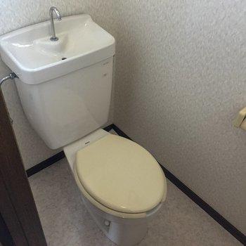 トイレは別になっています。