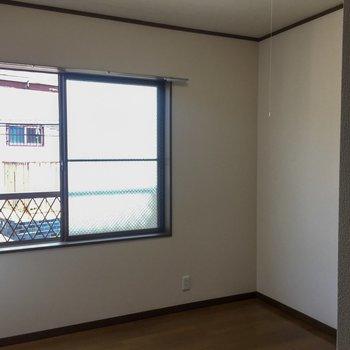 【洋室】窓もありますよ◎