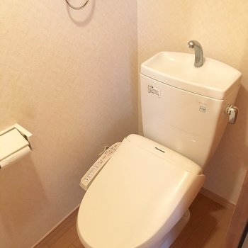 そして、左に行くとトイレです。シンプル!