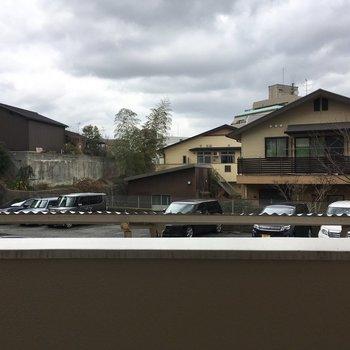 駐車場や共用部分が丸見えでした・・・