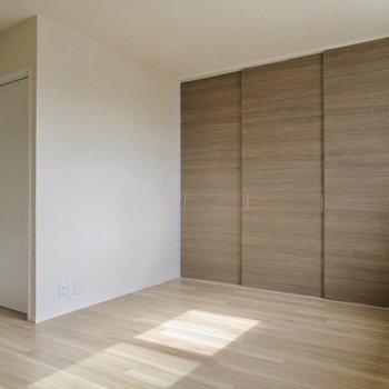 【LDK】扉をしめるとこんな感じ、扉もステキなので閉めてもいいなあ〜※写真は通電前のものです
