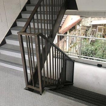 階段をのぼって2階まで。このくらいへっちゃら!