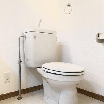トイレは脱衣所にあるので消臭剤などを置くと良いかも。
