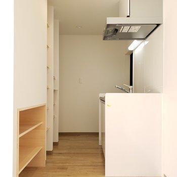 1人暮らしにはちょうどいいスペースの廊下。