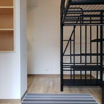 シンプルなお部屋です。*家具はサンプルです