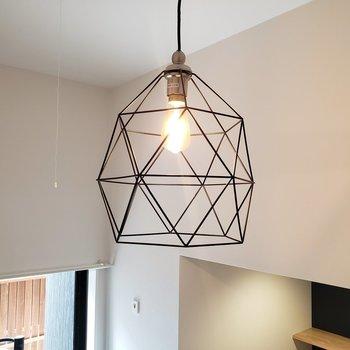 お気に入りの照明を見つけてくださいね*家具はサンプルです