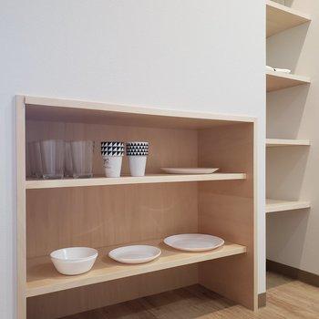 食器棚かな。*家具はサンプルです
