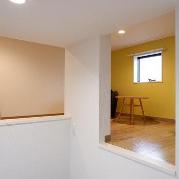 ロフトがお目見え!※写真は2階の反転間取り別部屋、モデルルームのものです